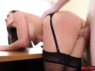 Hot milf vocalized all round cumshot