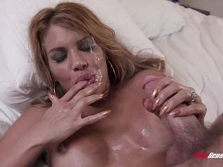 Huge-boobed Latina housewife with immense hoops boned in the apartment