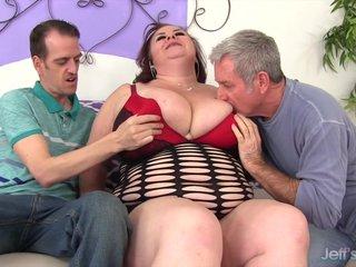 Mature BBW Lady Lynn takes two dicks