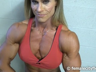 Lady bodybuilder