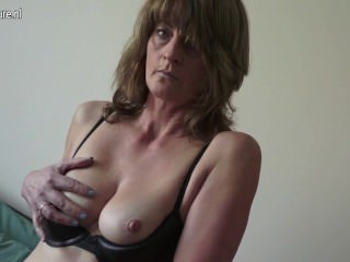 Mature cougar with hairy old vagina